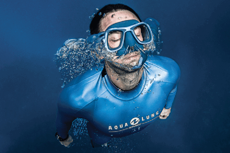 Picture of a snorkeling mask.