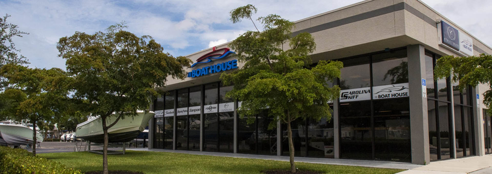 Store front image for the dealership located at Naples, FL