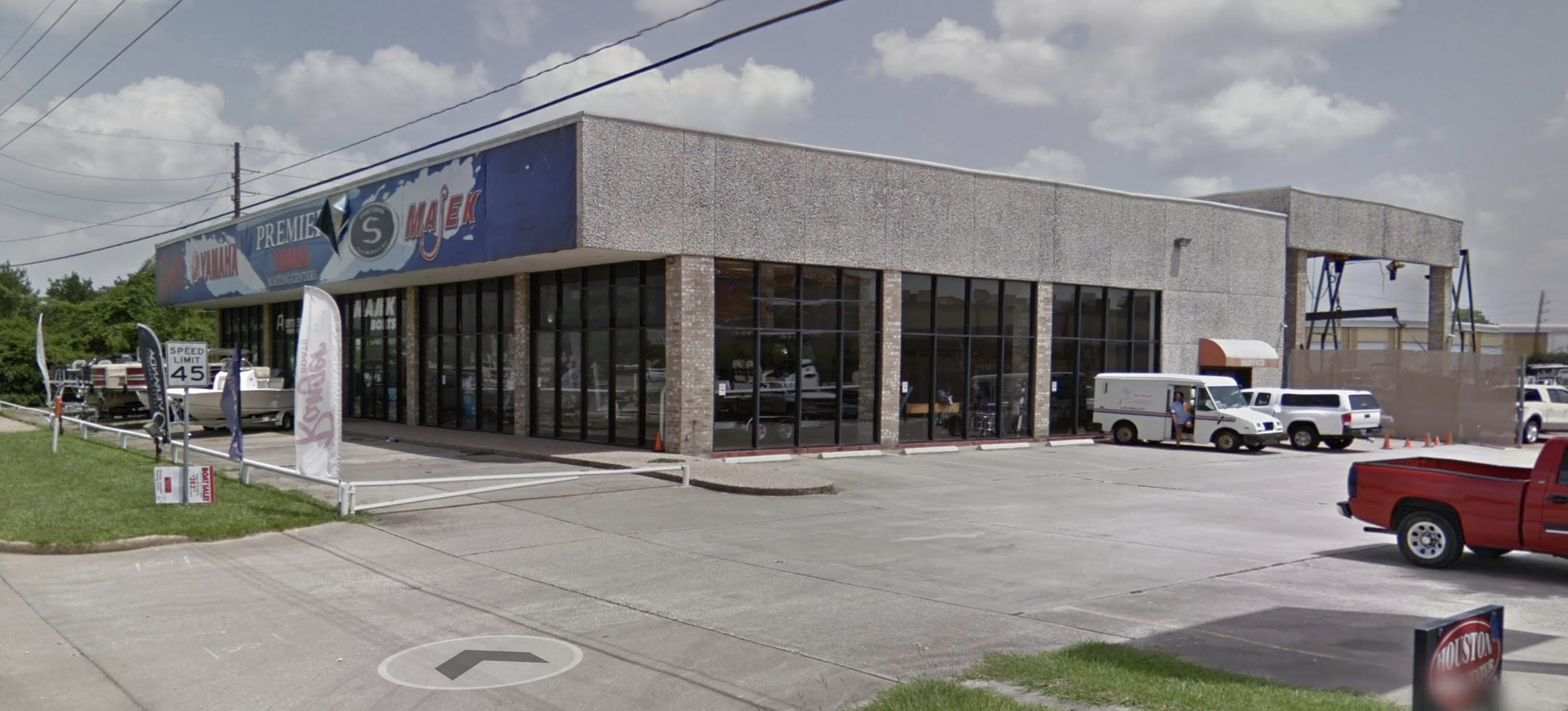 Store front image for the dealership located at Houston, TX