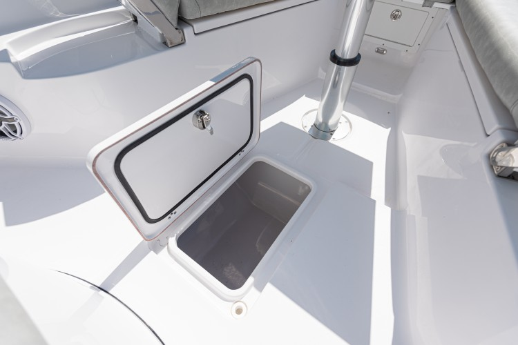Detail image of Center Bow Storage Box