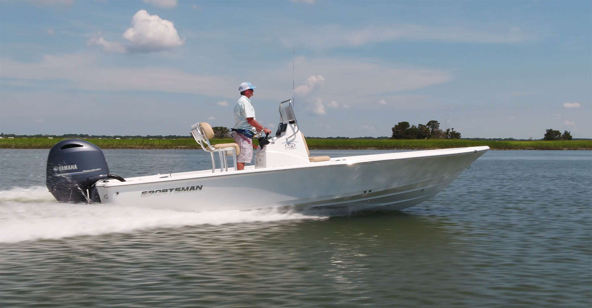 Main image of the Tournament 214 SBX Bay Boat.