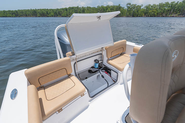 2019 Sportsman Heritage 241 Center Console Boat