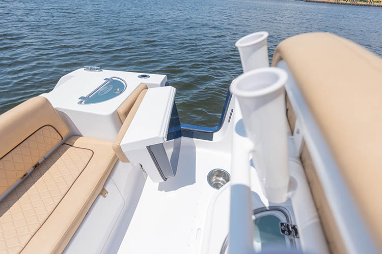 2019 Sportsman Heritage 251 Center Console Boat