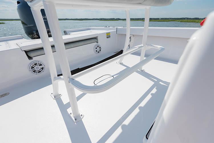 2019 Sportsman Masters 207 Bay Boat