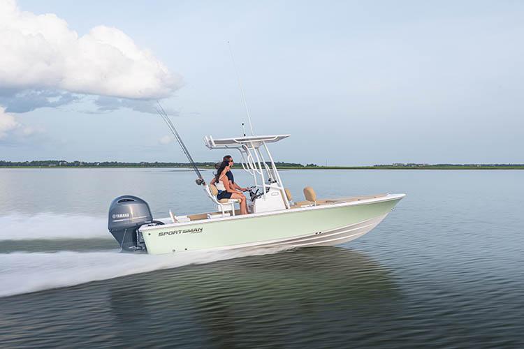 2021 Sportsman Masters 207 Bay Boat
