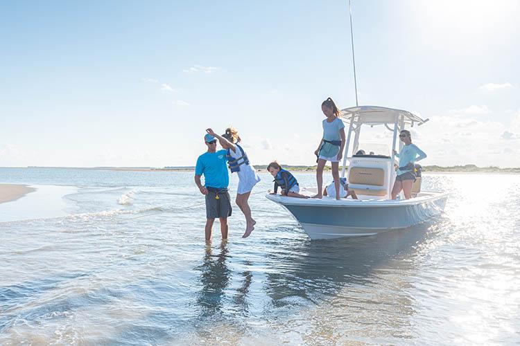 2021 Sportsman Tournament 234 Bay Boat Running Water