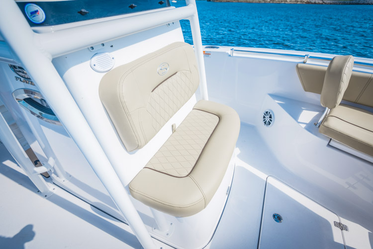 2018 Sportsman Heritage 241 Center Console Boat