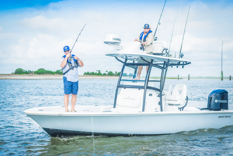 2018 Sportsman Masters 267 Center Console Bay Boat