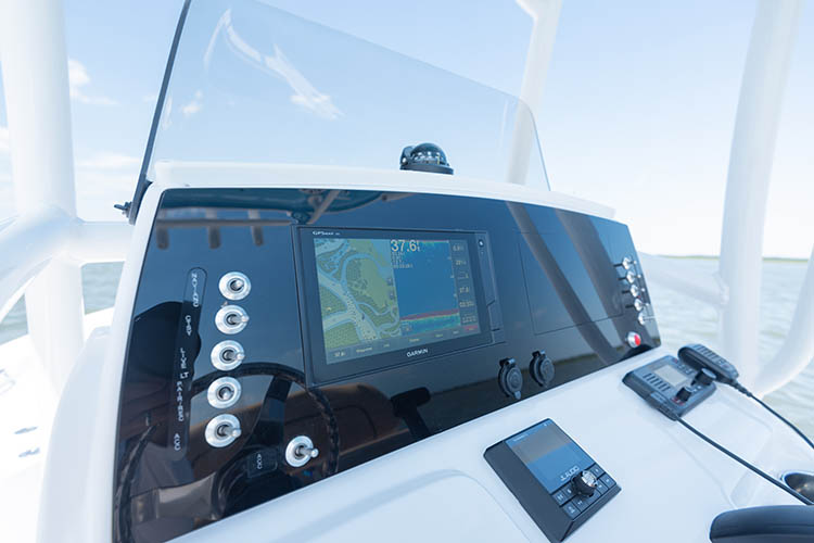 Detail image of Garmin GPSMAP® 942xs MFD 9""
