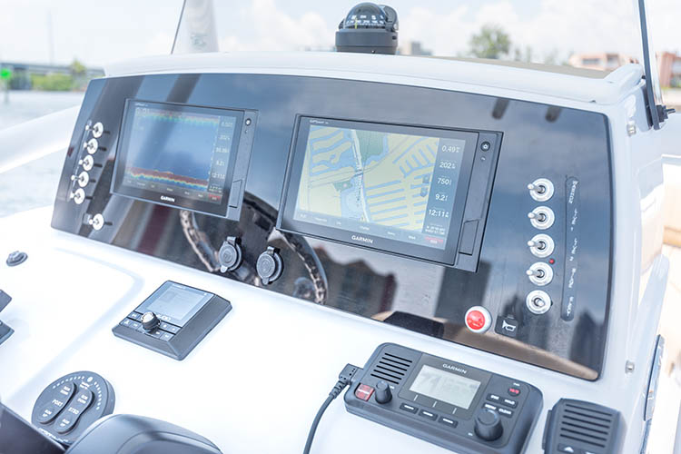 Detail image of Second Garmin GPSMAP® 942xs MFD 9""