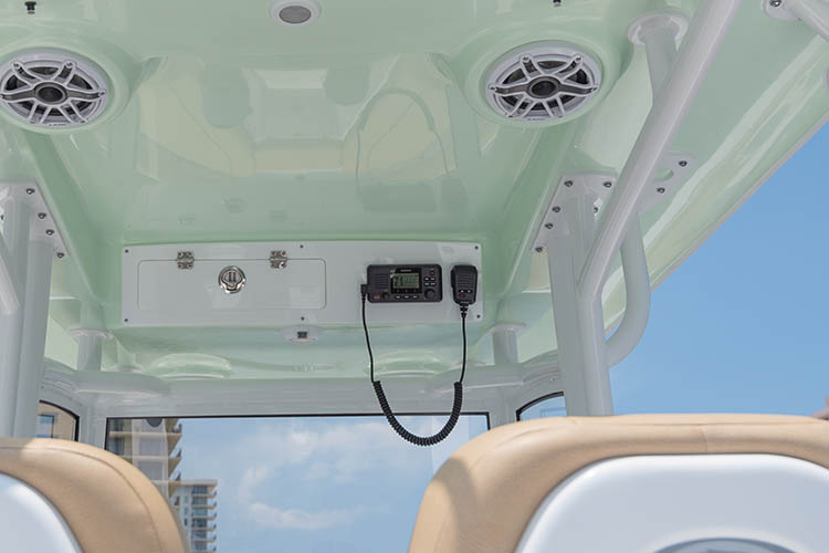 Detail image of Garmin VHF 110 Radio w/ Antenna