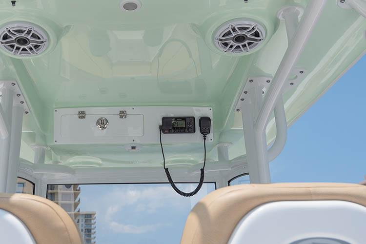 Detail image of Garmin VHF 110 Radio w/ Antenna