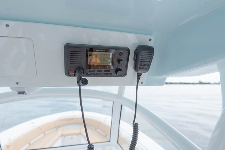 Detail image of Garmin VHF 210 Radio w/ Antenna