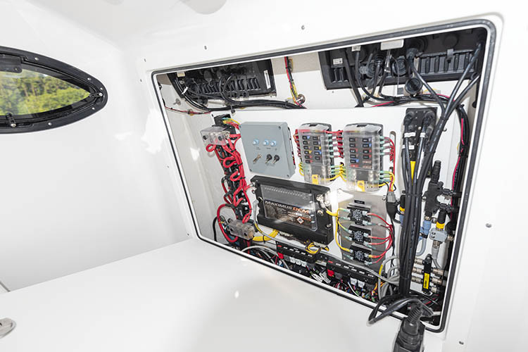 Detail image of SeaStar Maximus Digital Switching System
