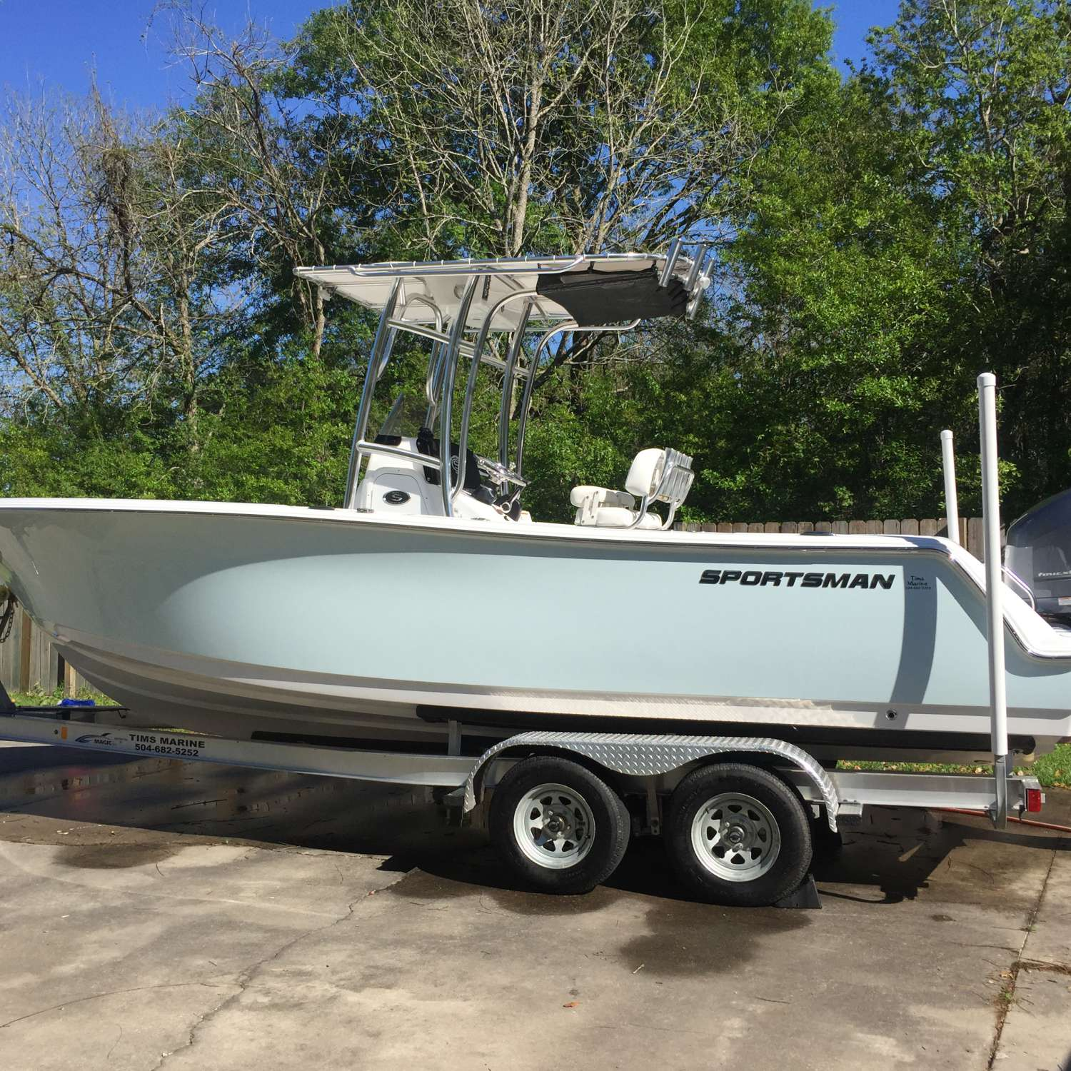 Title: Squeaky Clean - On board their Sportsman Open 232 Center Console - Location: Saint Martinville, Louisiana. Participating in the Photo Contest #SportsmanApril2016