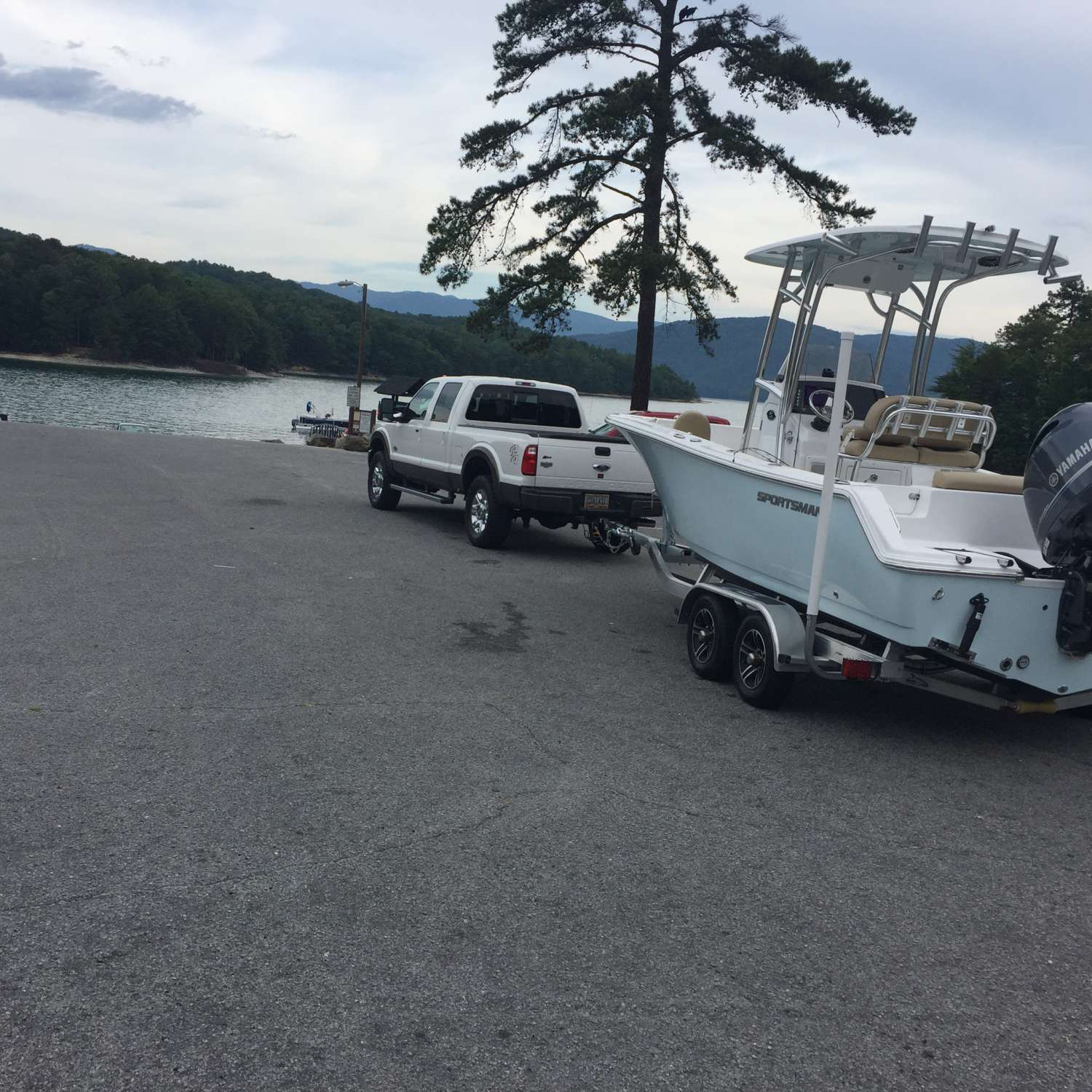 Title: Lake Jocassee - On board their Sportsman Open 212 Center Console - Location: Suwanee, Georgia. Participating in the Photo Contest #SportsmanJune2017
