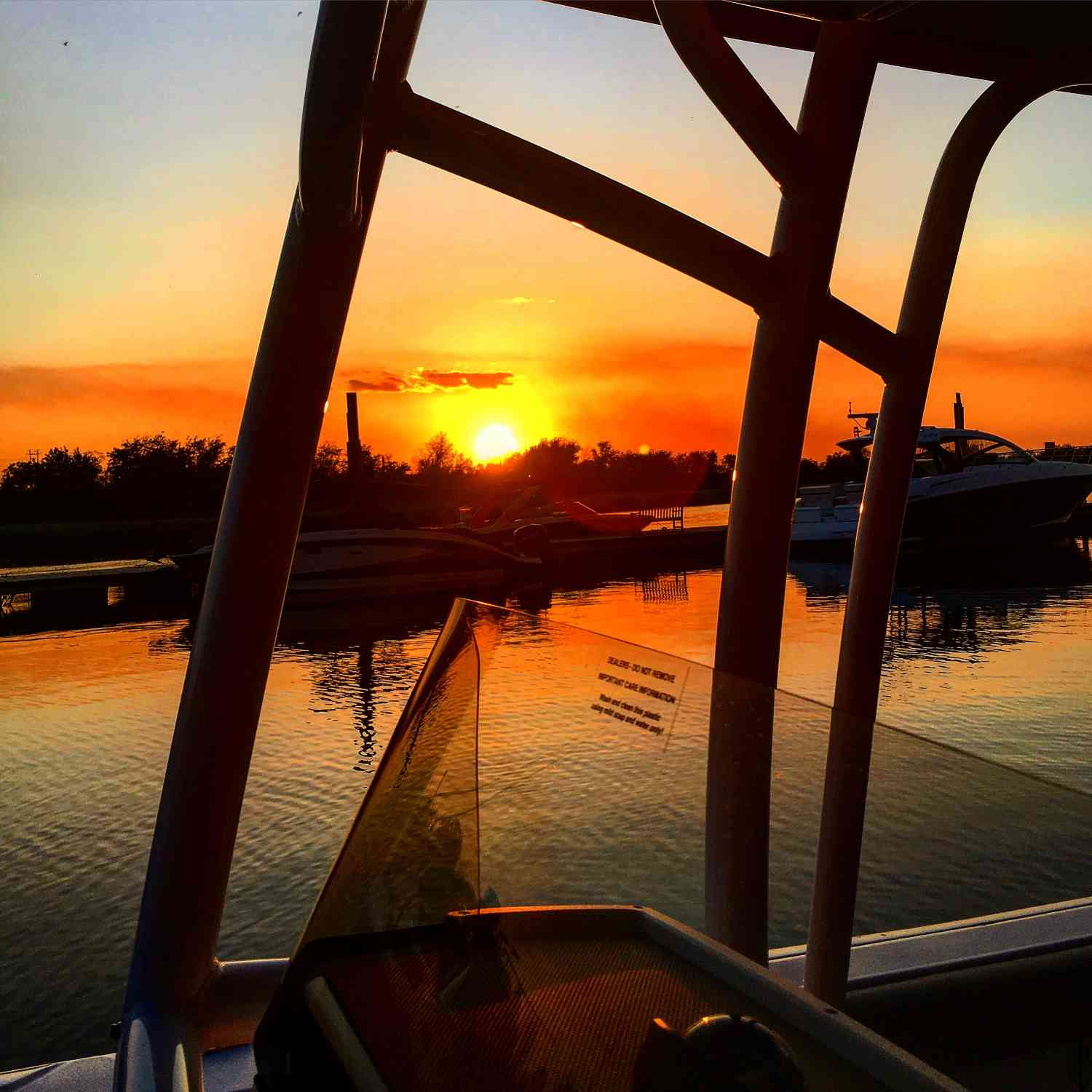 Title: Sportman Sunset - On board their Sportsman Heritage 231 Center Console - Location: Daniel Island Marina. Participating in the Photo Contest #SportsmanJune2018