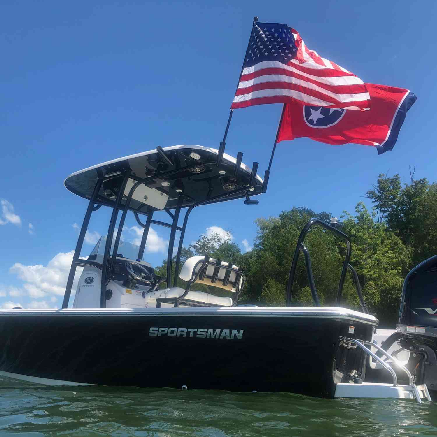 Title: No labor on Labor Day ... in Tennessee. - On board their Sportsman Masters 227 Bay Boat - Location: Nashville, TN. Participating in the Photo Contest #SportsmanSeptember2018
