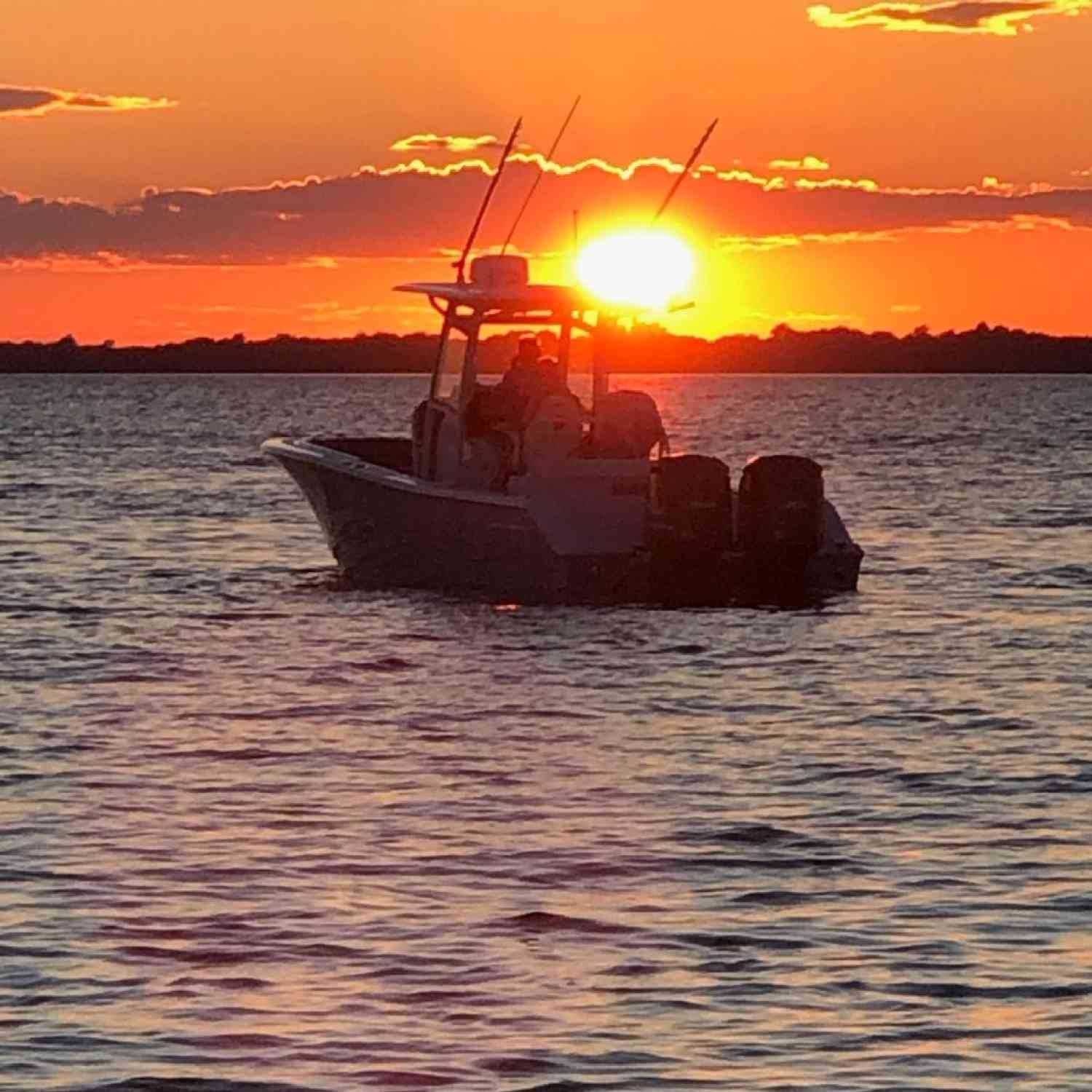 Title: End to a great day at the beach with incredible friends - On board their Sportsman Open 282TE Center Console - Location: Dodge Bay on the St. Lawrence River. Participating in the Photo Contest #SportsmanAugust2020
