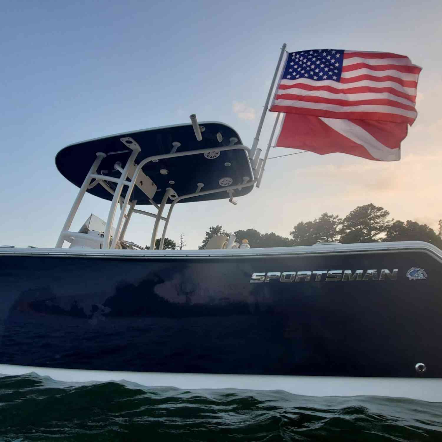 Title: Sportsman Dive Boat - On board their Sportsman Open 232 Center Console - Location: Greers Ferry Lake, AR. Participating in the Photo Contest #SportsmanAugust2020