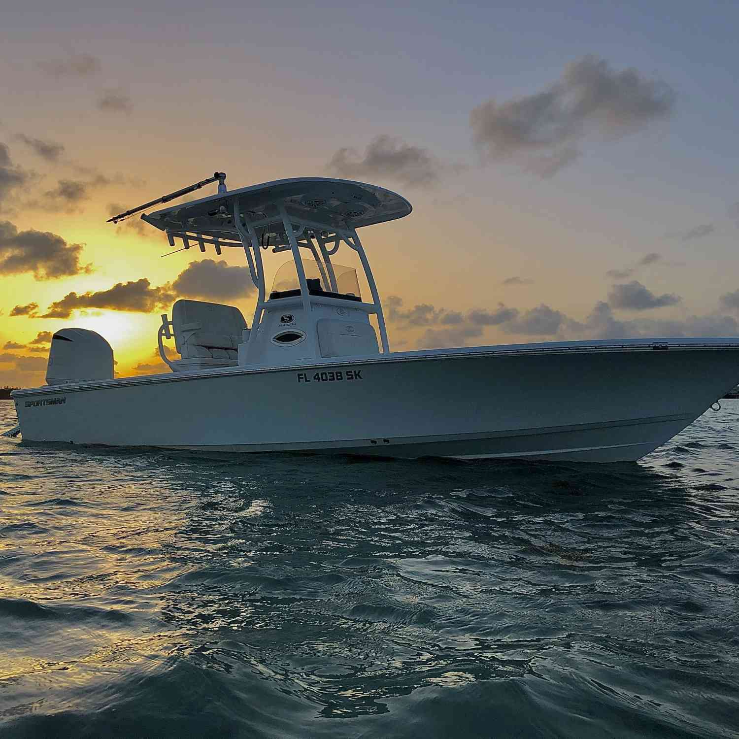 Title: Last catch of the day. - On board their Sportsman Masters 247 Bay Boat - Location: Islamorada. Participating in the Photo Contest #SportsmanSeptember2020