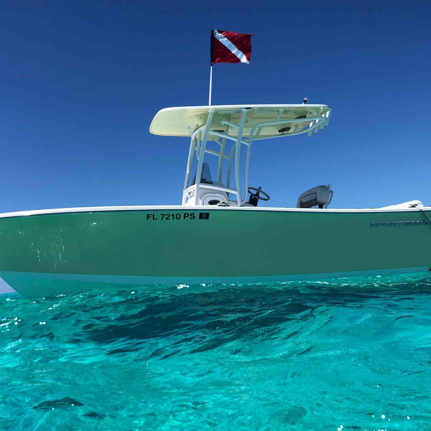 Title: Perfect day in key largo - On board their Sportsman Heritage 231 Center Console - Location: Key largo. Participating in the Photo Contest #SportsmanSeptember2020