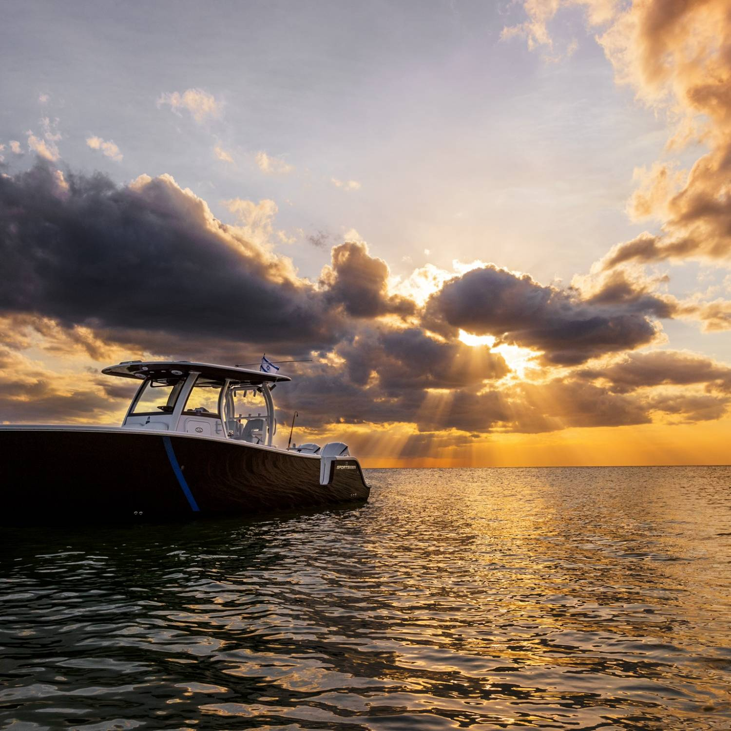 Title: Hanging out at the beach - On board their Sportsman Open 302 Center Console - Location: Naples fl. Participating in the Photo Contest #SportsmanAugust2021