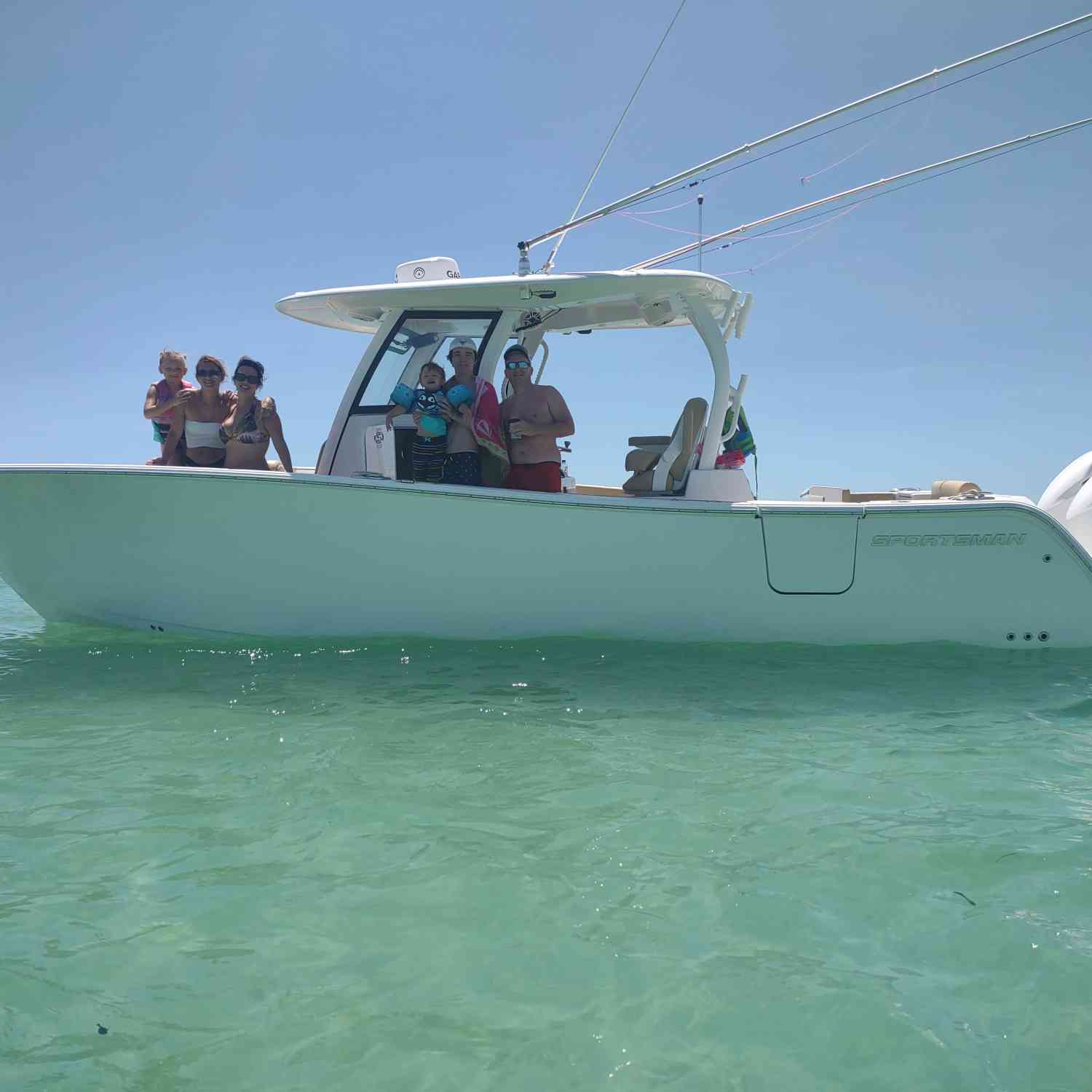 Title: Island hopping - On board their Sportsman Open 302 Center Console - Location: Marvin key. Participating in the Photo Contest #SportsmanMay2021